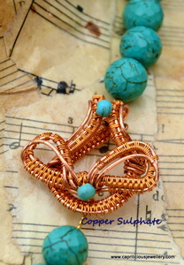 Handmade wire toggle clasp by Caprilicious Jewellery