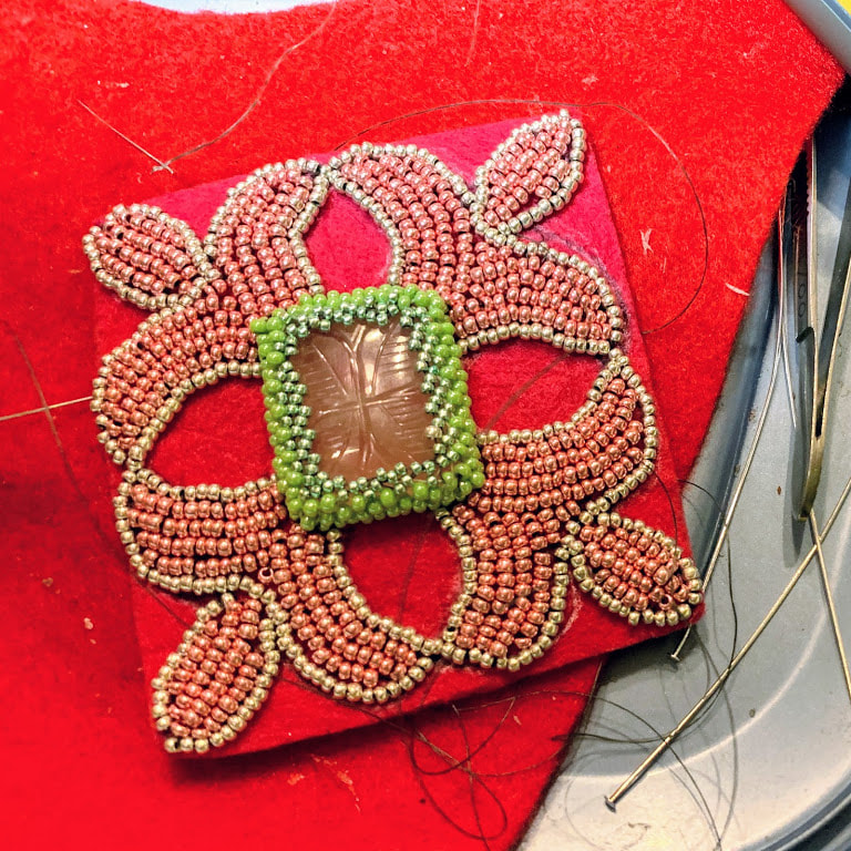 The making of a beaded pendant with Czech seed beads by Caprilicious Jewellery